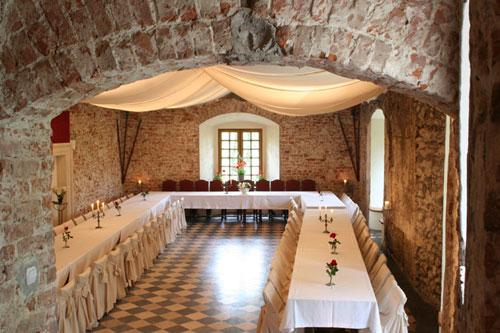 korzkiew-castle-renaissance-hall-1