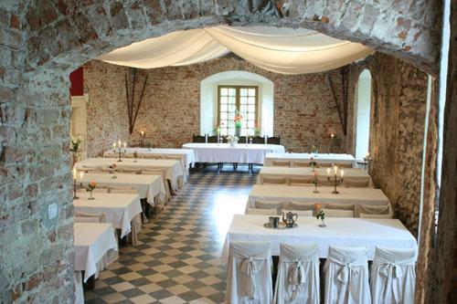 korzkiew-castle-renaissance-hall-2
