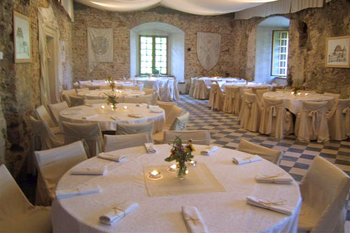 korzkiew-castle-renaissance-hall-3