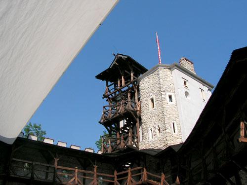 zamek-korzkiew-wieza