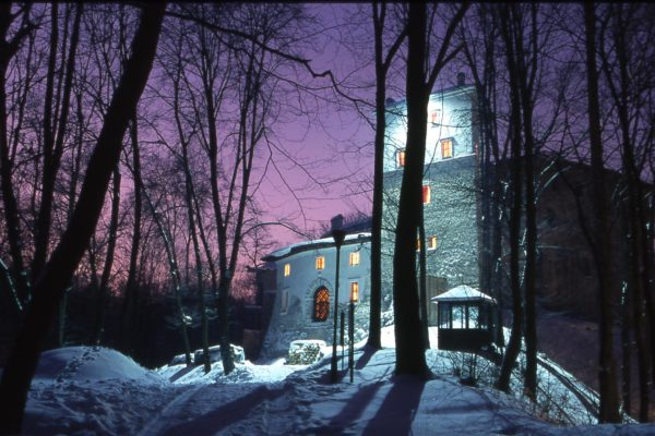 zamek-korzkiew-zima-2